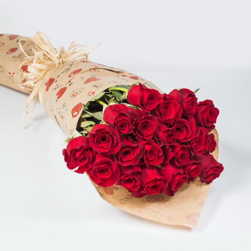 Цветы для, обычно оформляют букет роз
